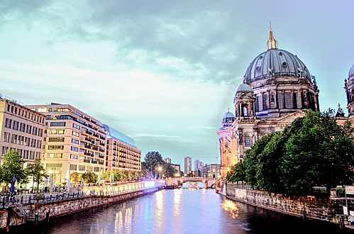Paris - berlin-cathedral-1882397_960_720.jpg