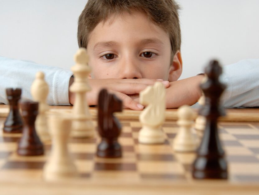 how-chess-sharpens-the-mind-of-young-kids -curtainsnmore