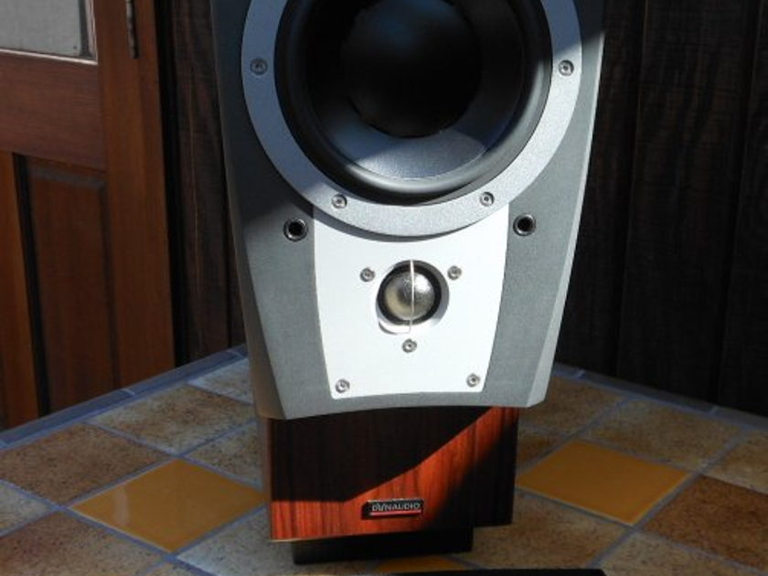 Dynaudio Confidence C1 Single Speaker, or center speaker in Satin Rosewood Great condition