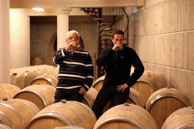 France, vin nature, rawwine, organic wine, vin bio, vin sans intrants, bistro brute, vin rouge, vin blanc, rouge, blanc, nature, vin propre, vigneron, vigneron indépendant, domaine bio, biodynamie, vigneron nature, cave vin naturel, cave vin, caviste, vin biodynamique, bistro brute, Quimper, Finistère , stéphane usseglio, domaine raymond usseglio, châteauneuf du pape, châteauneuf blanc