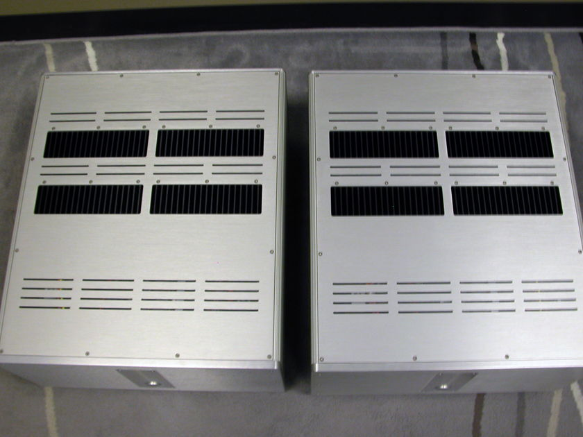 Krell Evolution 600e Monoblocks in Silver