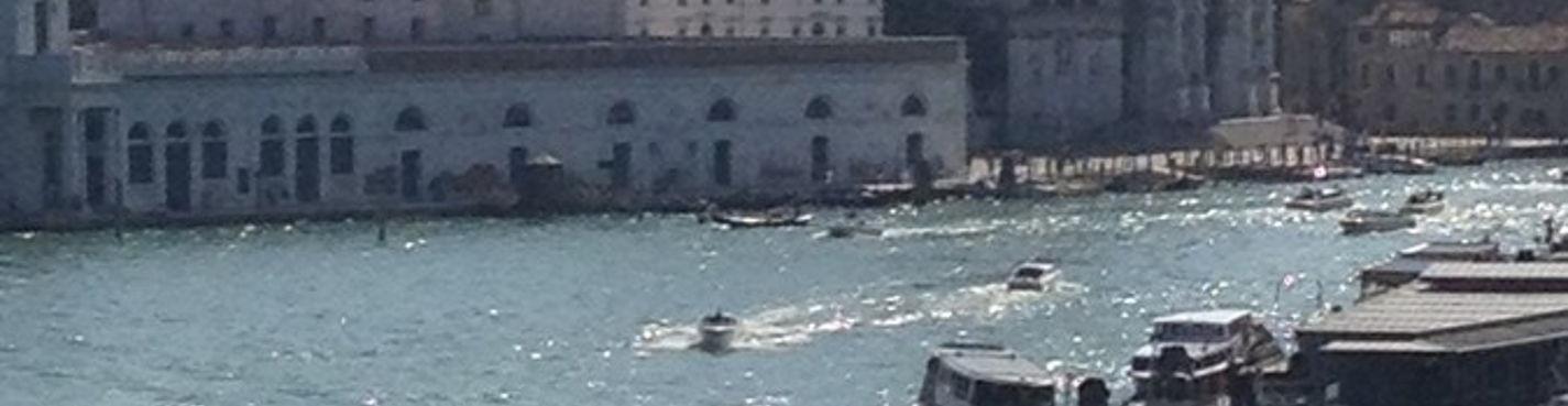 Верь в мечту! у нее есть приятная особенность сбываться! На Гондоле — по Венецианским каналам