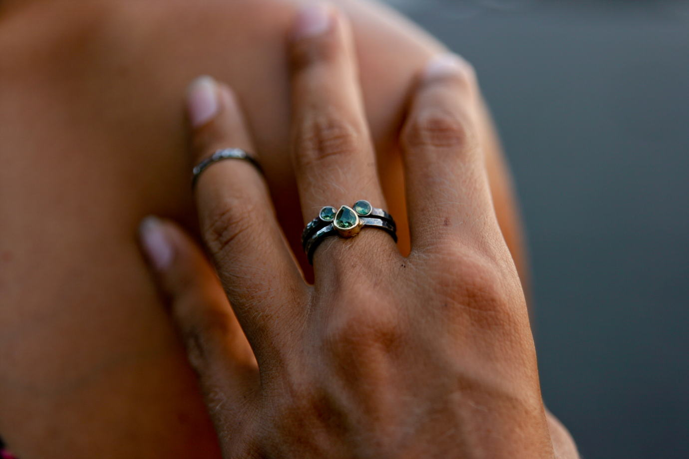 Сет из двух серебряных колец с зеленым турмалином