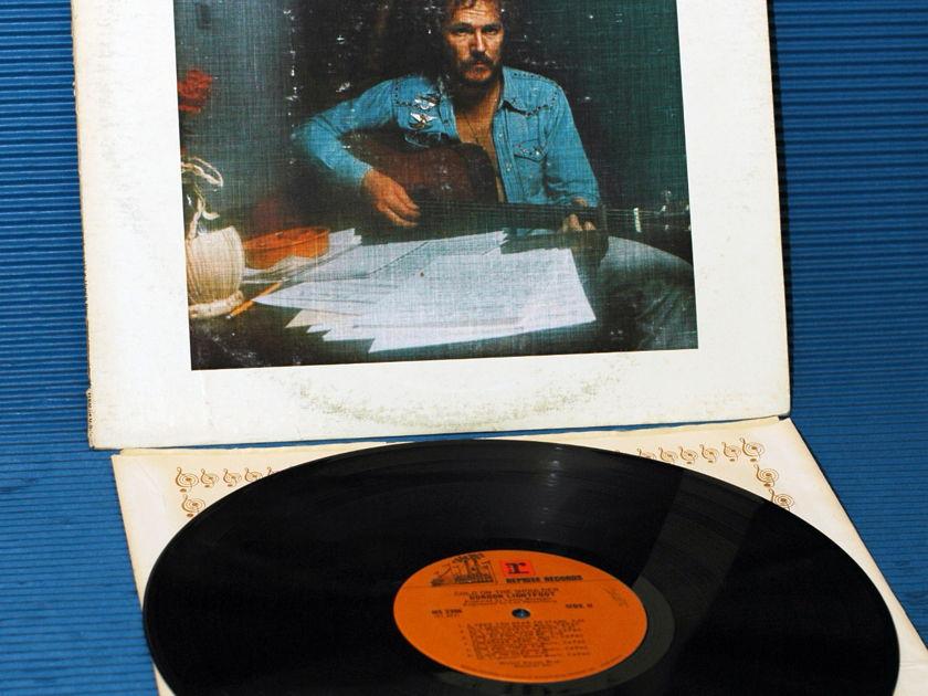 "GORDON LIGHTFOOT   - ""Cold On the Shoulder"" -  Reprise - 1975"