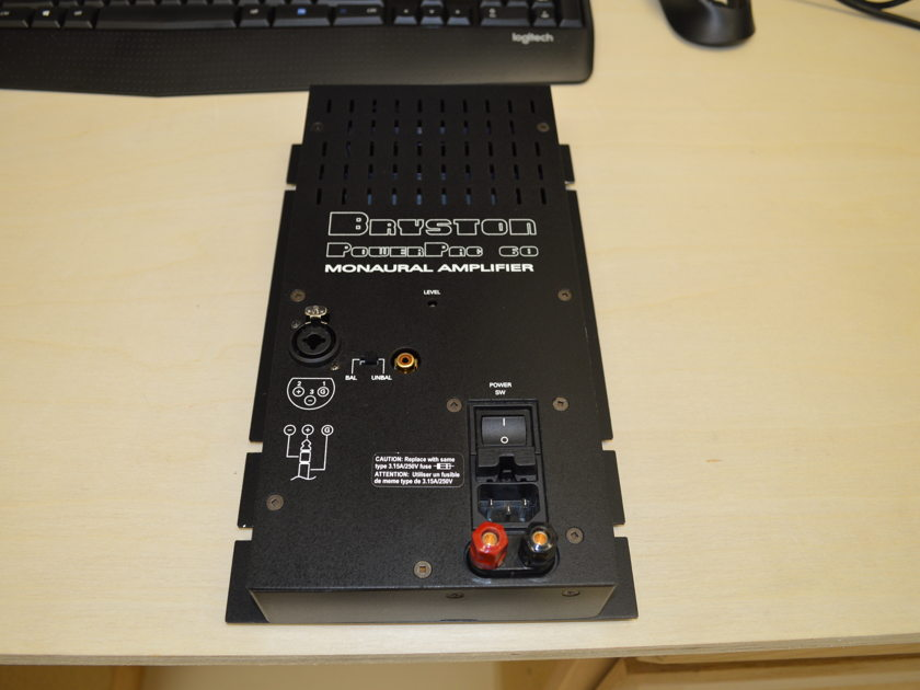 Bryston Powerpac 60 - Monoblock Compact Amplifier / 100 Watt @ 4 Ohms