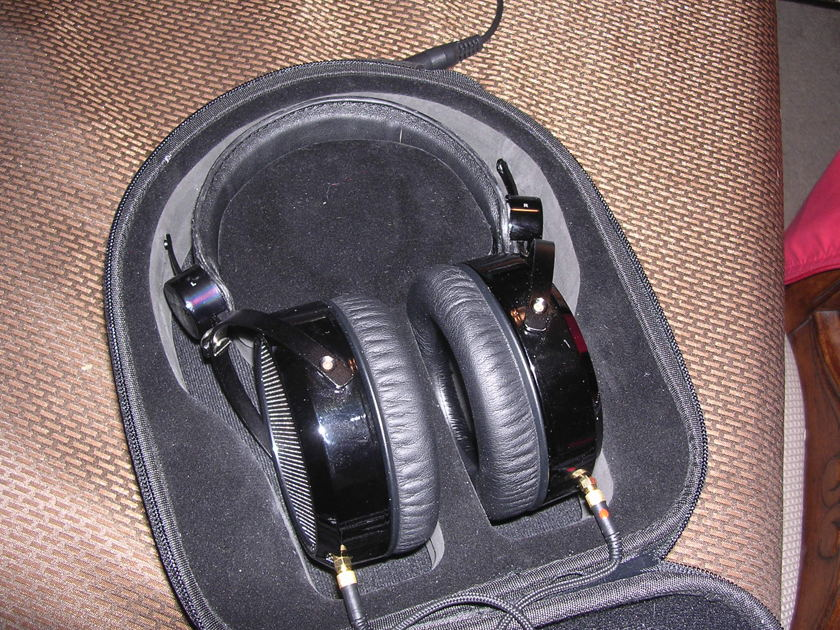 HiFiMan HE-4 headphones w/case