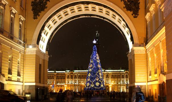 Новогодняя ночь на улицах Петербурга 2020
