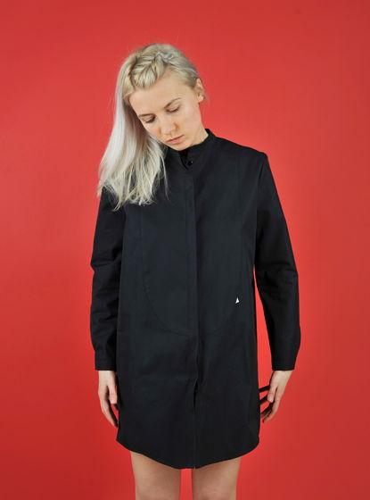 Черное платье-рубашка с манишкой