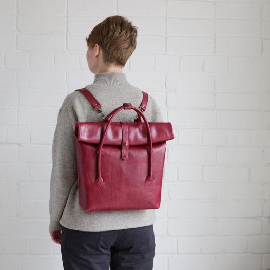 Кожаный рюкзак-сумка Rolltop Cherry