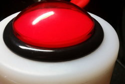 team duell roter button