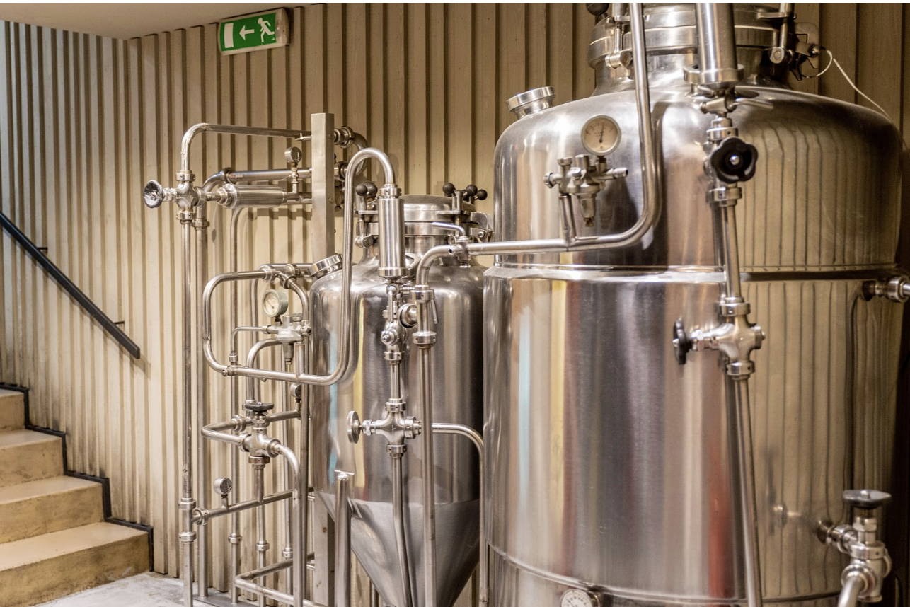 picture of a beer tank