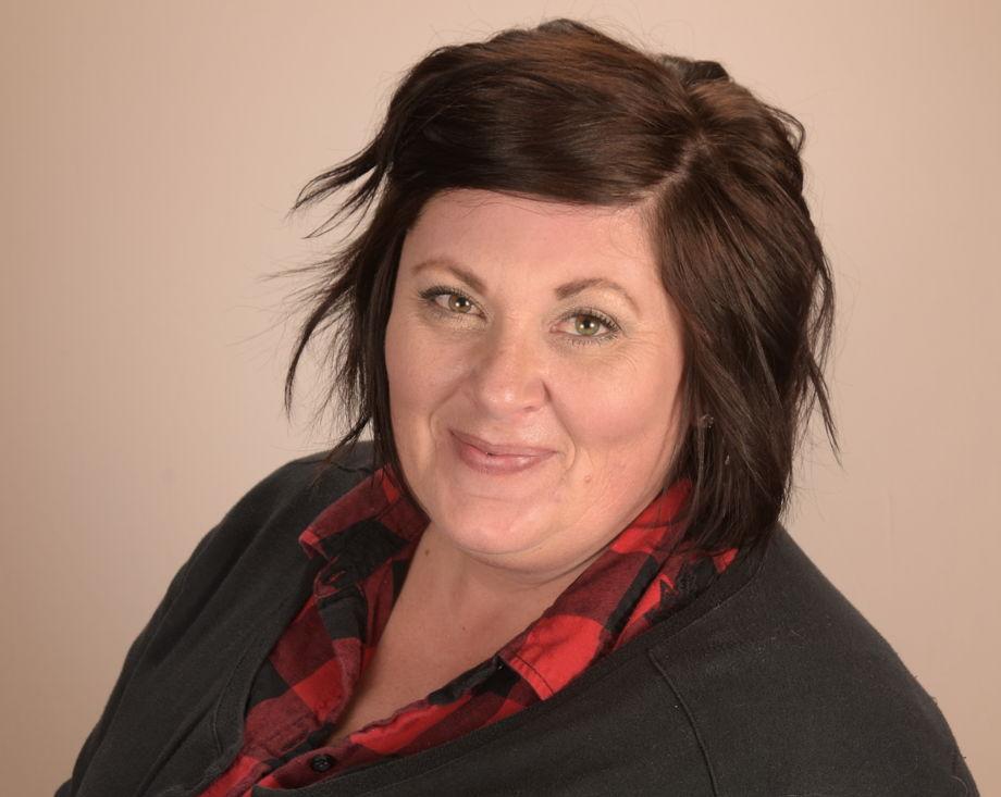 Miss Cari Bennett , Assistant Director