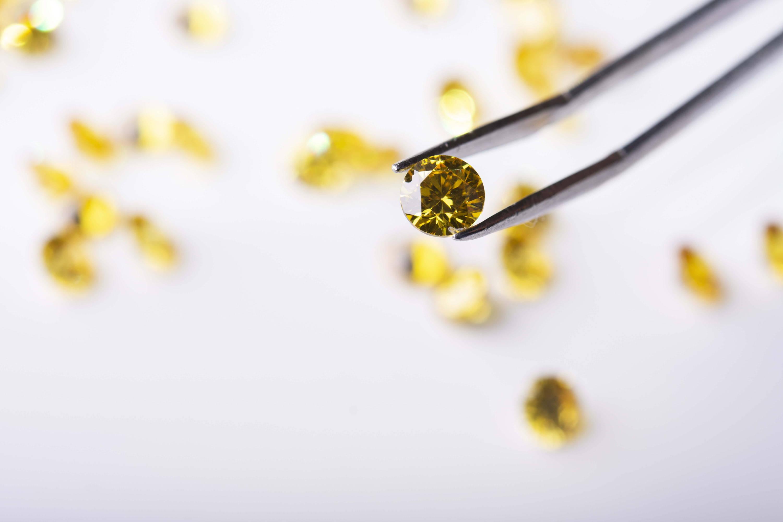 loose yellow diamonds