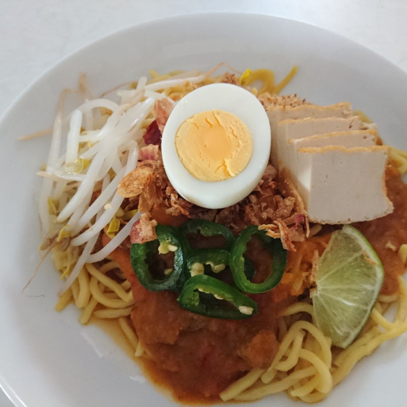 Date: 18 Oct 2019 (Fri) 32nd Main: Mee Rebus (Mee Kuah) [73] [101.5%] [Score: 7.0] Author: Nyonya Cooking [Grace Teo] Cuisine: Malay, Malaysian, Singaporean  Dish Type: Main  Among others, I'm still not skillful in preparing the gravy, hence poor score of 7.0. It is edible though.