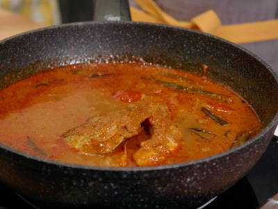 Serve fish head curry