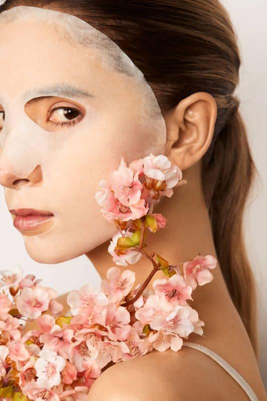 beautiful japanese cherry blossom hydrating sheet mask snow fox skincare