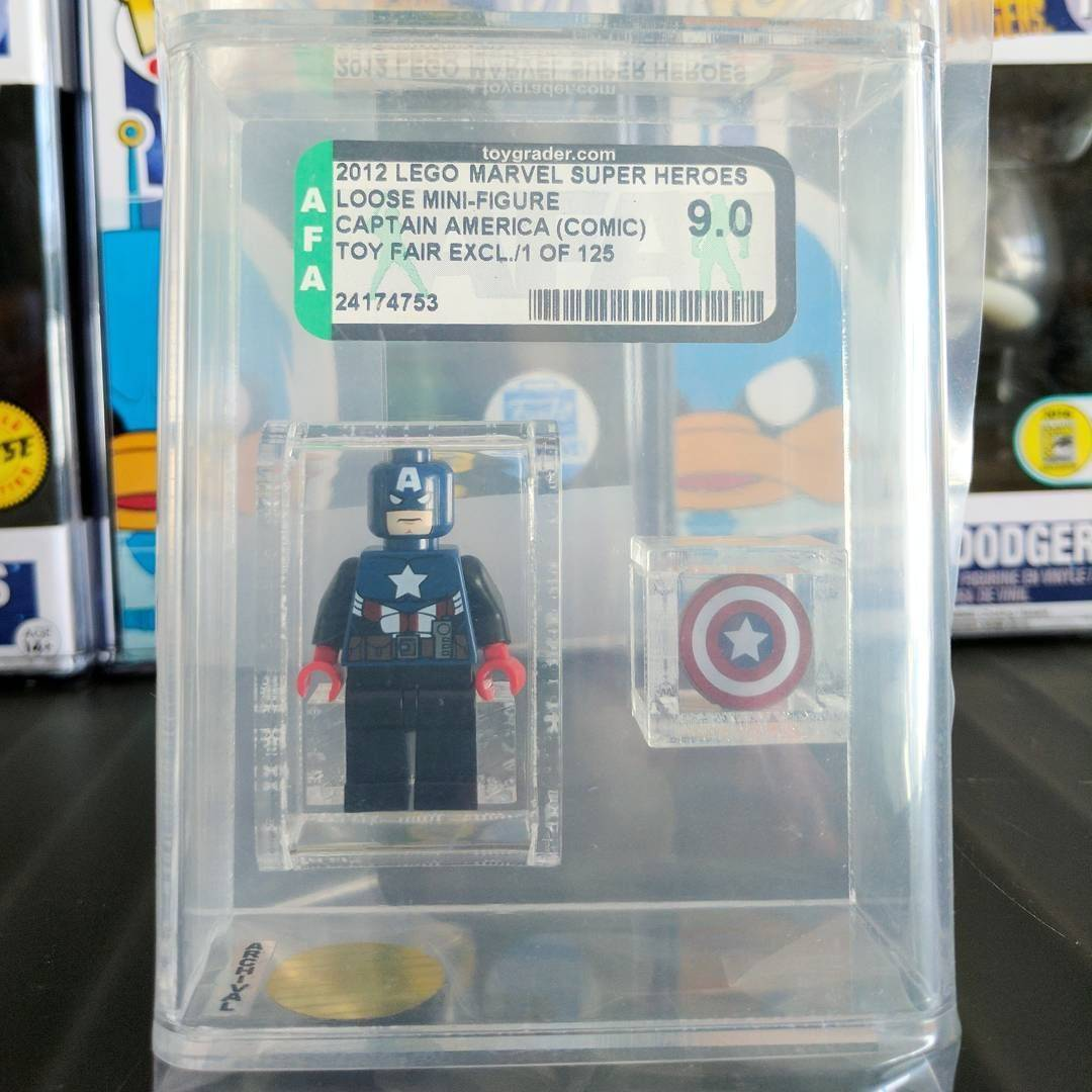 Captain America (2012 New York Toy Fair exclusive)