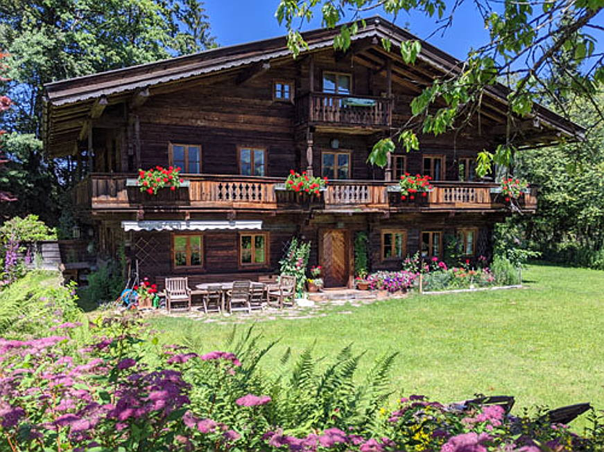 Bolzano - This historic 18th century farmhouse is located in Aurach near Kitzbühel. The generously sized property spans some 3,300 square metres and affords absolute privacy. Interiors include five bedrooms, four bathrooms, and an expansive terrace.