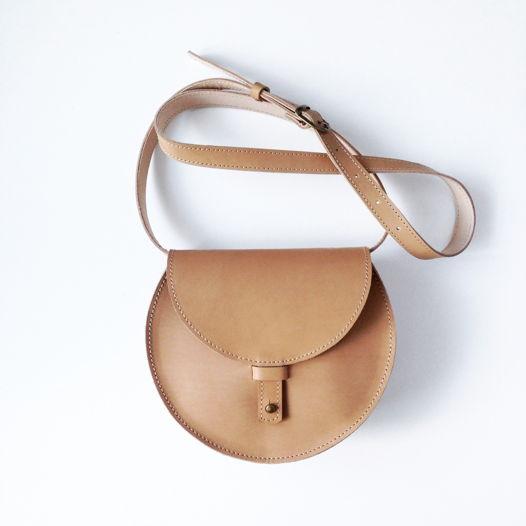 Кожаная сумка Round Nude