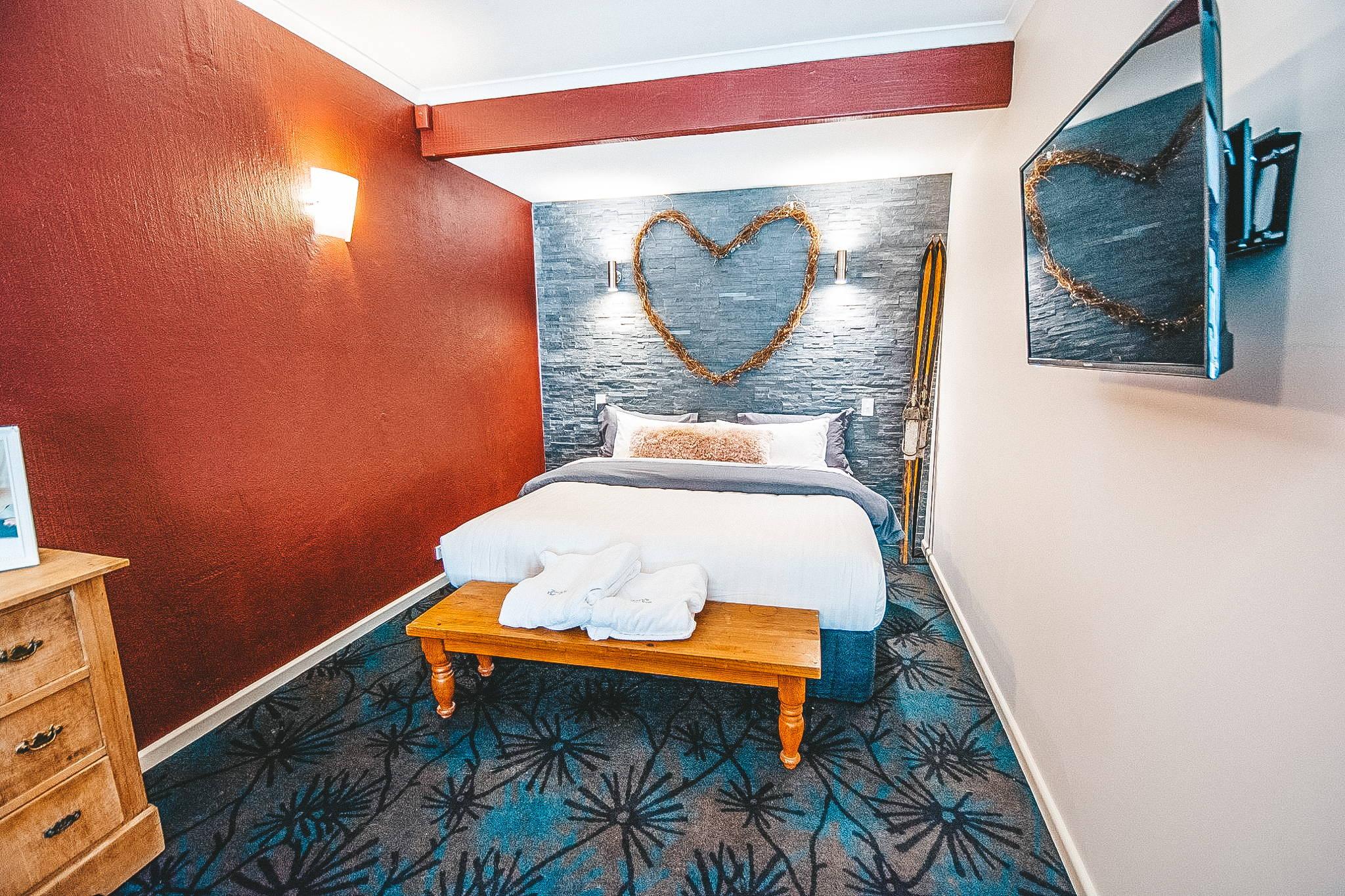 Honey-Moon Suite Image - Bernti's Thredbo Accommodation