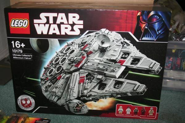 LEGO First Edition Millennium Falcon