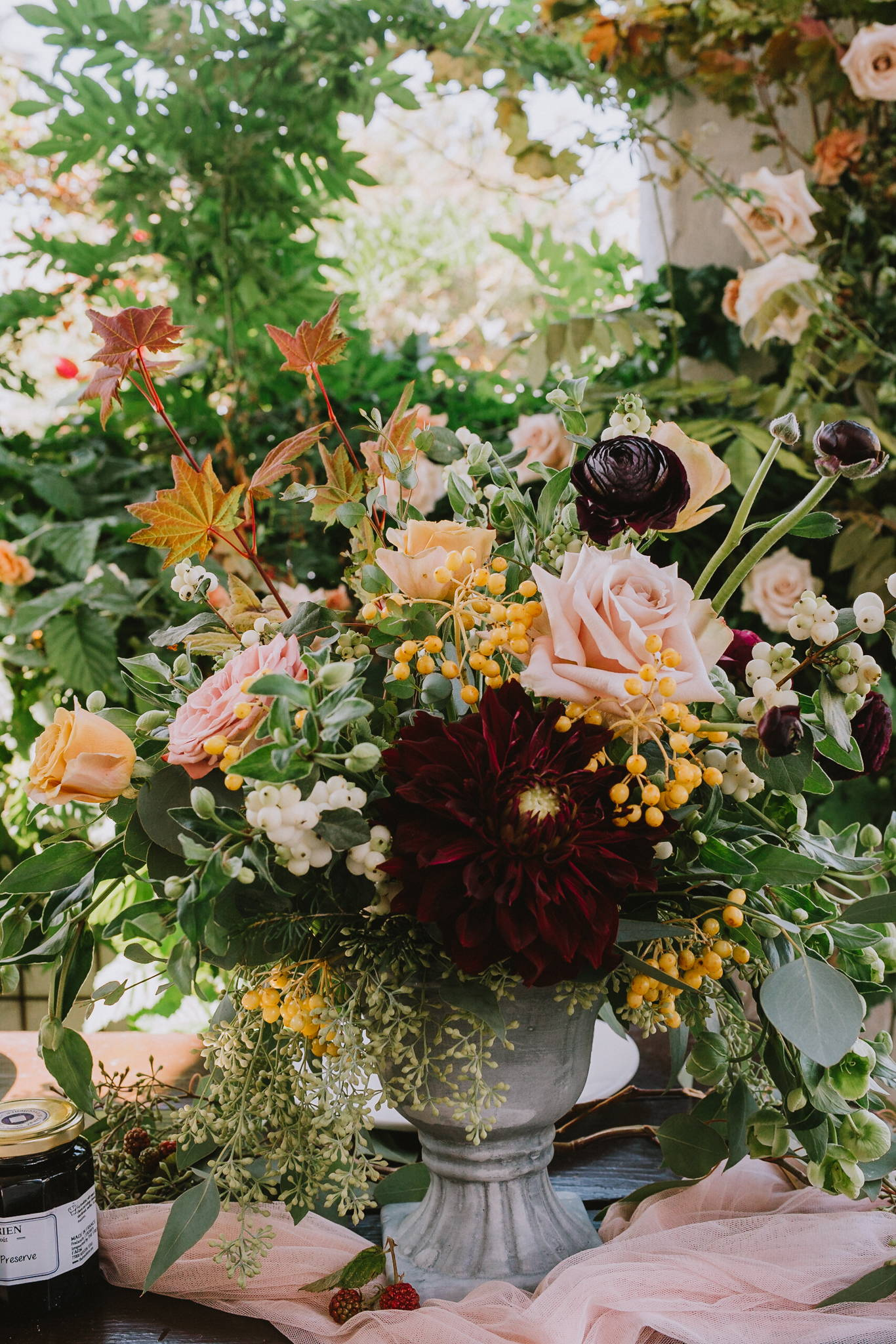 organic wedding, bohemian wedding,  lush wedding, asymmetrical wedding bouquet, south pasadena florist, los angeles florist, Vave studios