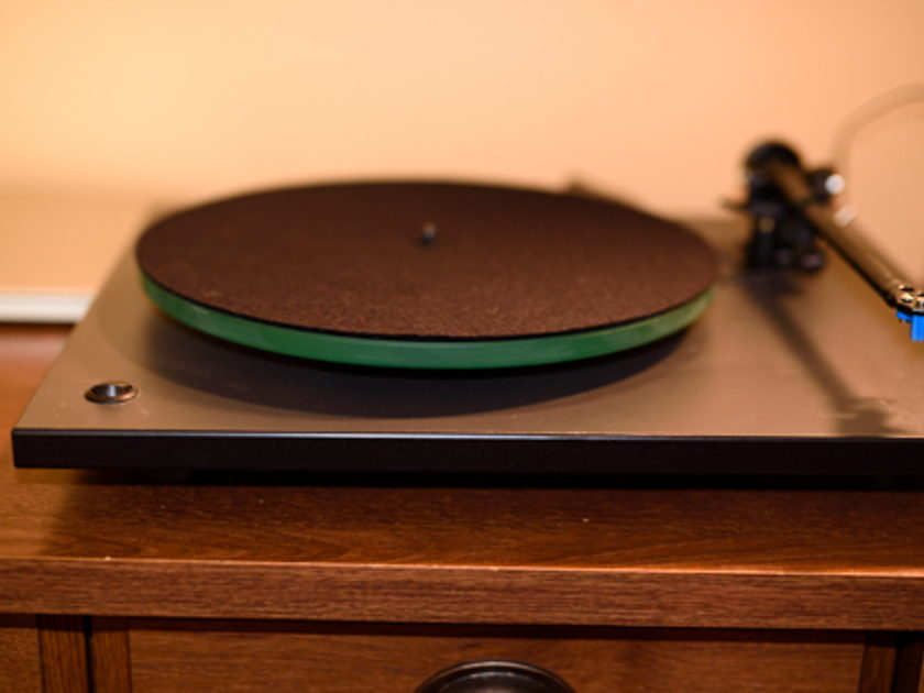 Rega R# with Elsy 2   Rega R3 Like New used less than 20 hours