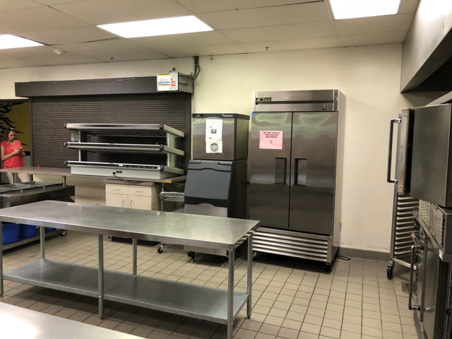 ... Commercial Kitchen Image Number 2 ...