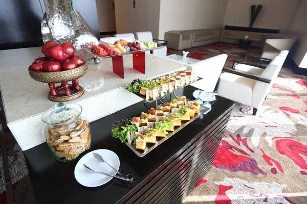 food-catering-for-bithday-in-office