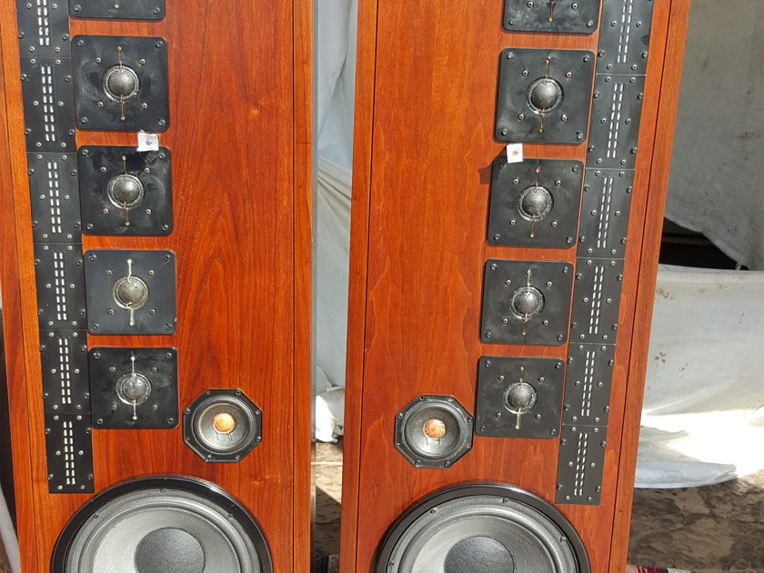 Infinity qls-1speakers  QLS-1 Fully restored , excellent condition ,many extras