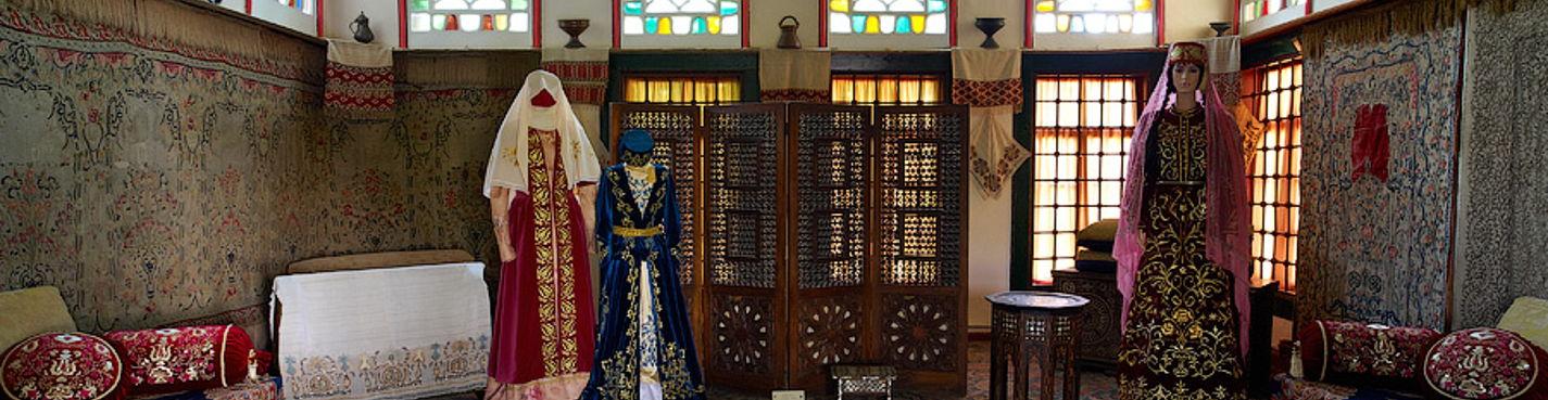 Бахчисарайский фонтан (выездная экскурсия в Бахчисарай из Севастополя)