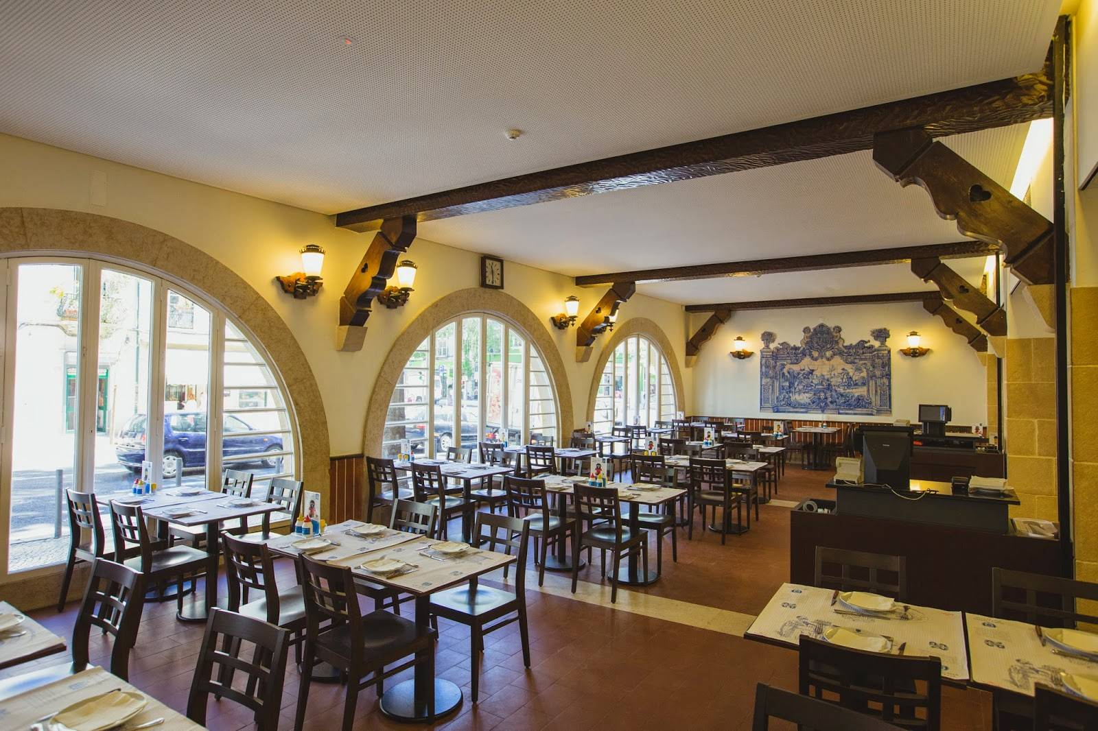 Our team picks Cervejaria Portugália, a typical restaurant in Lisbon famous for its steaks and beer.