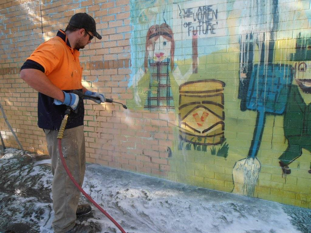 removing mural with transgel paint and graffiti remover