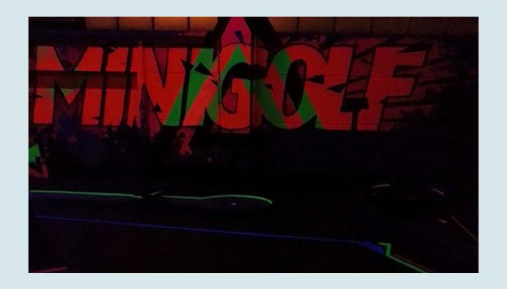 nbg minigolf bahnen neon ansicht