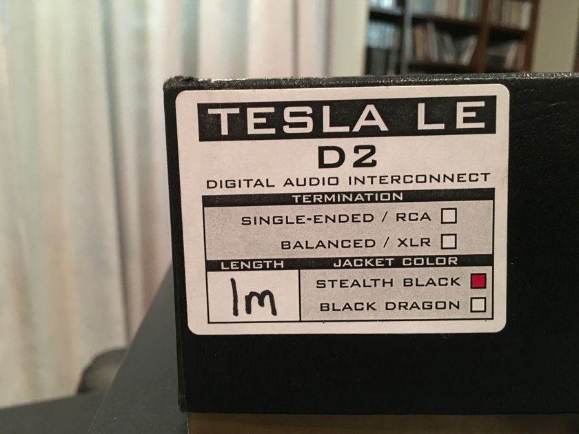 SYNERGISTIC RESEARCH TESLA SE D2 BNC CLOCK CABLE AND TESLA SE RCA DIGITAL CABLE