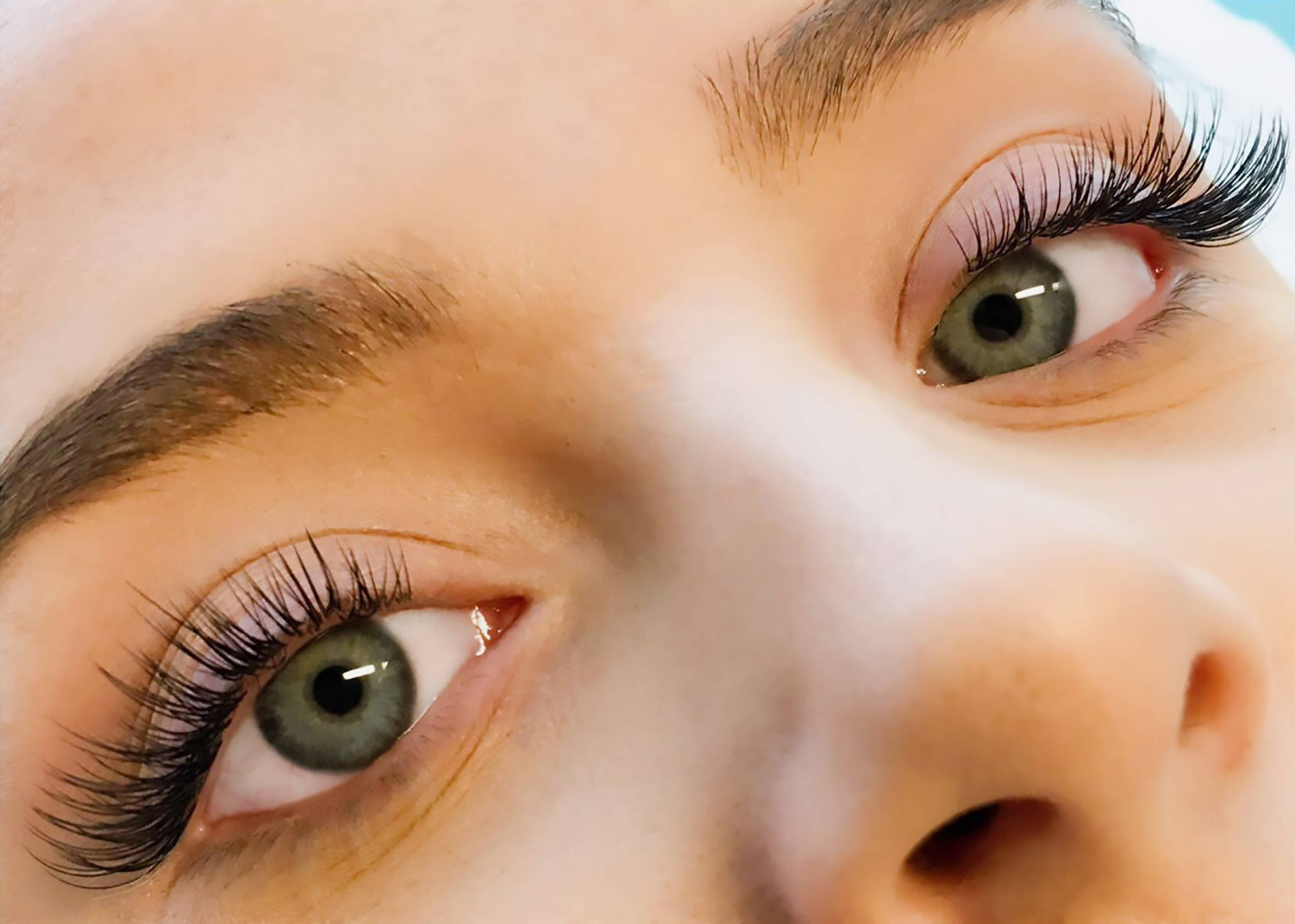 Japanese Feathering eyelash Extensions
