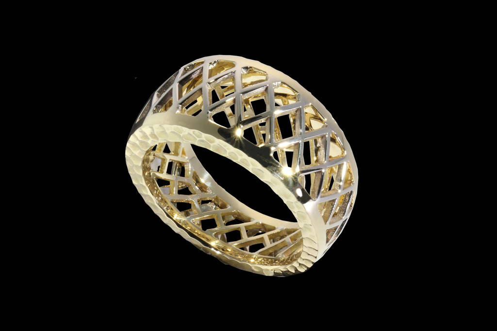 Asma`s wedding ring