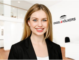 real-estate-agent-paula-johanesson-engelvoelkers-elbe