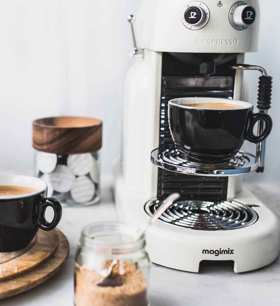 Maestria Nespresso® Machine with CRU Kafe Light Roast