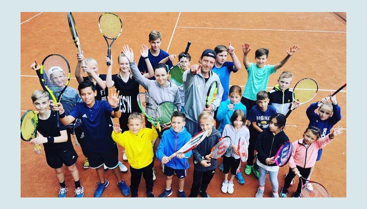 tennisjessen kindergeburtstag spielfeld kinder gruppe oben