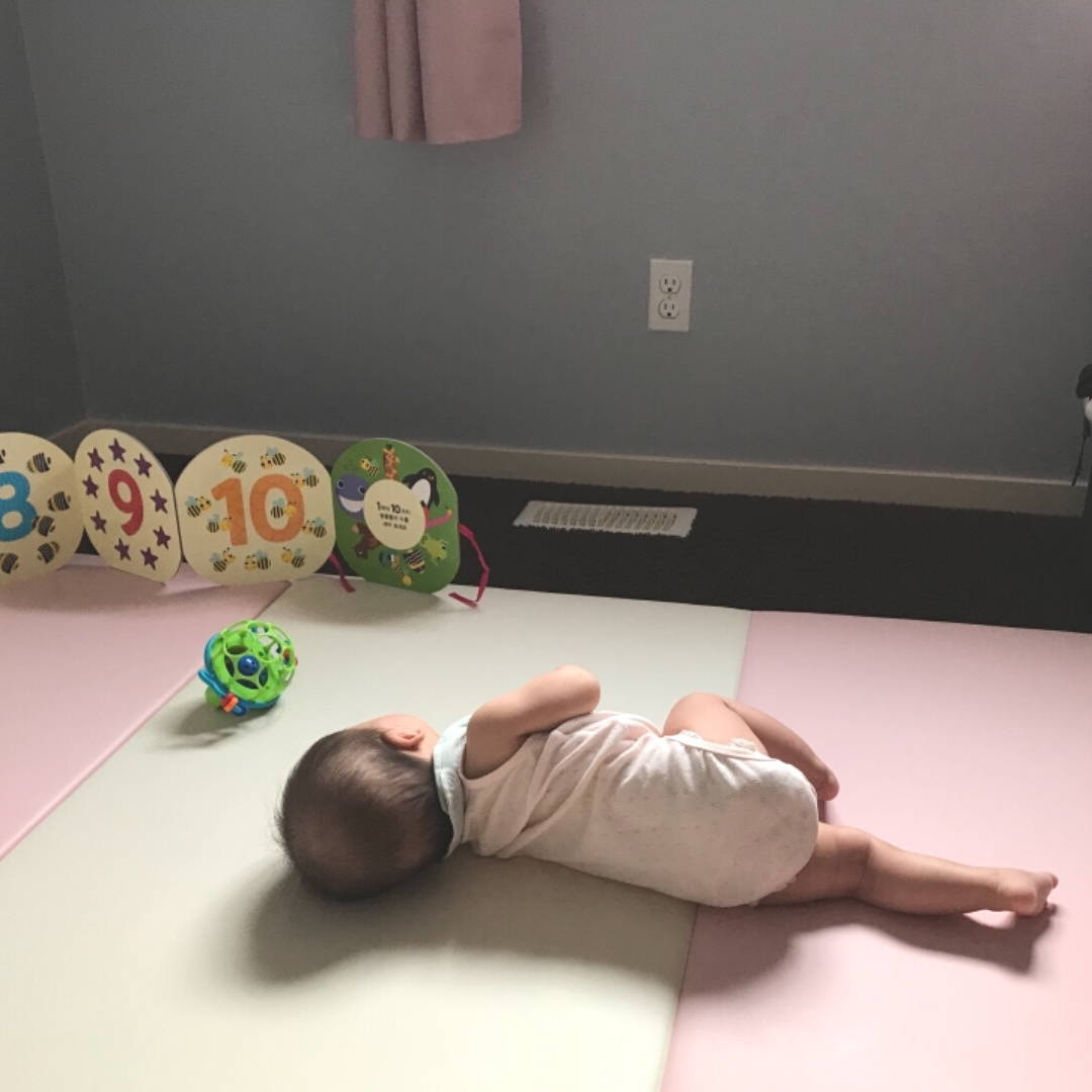 Baby activity during rolling over on AlZiP playmat