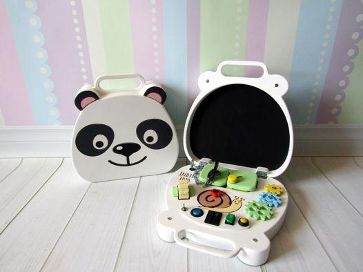 Развивающая игрушка -  Бизиборд-чемоданчик Панда