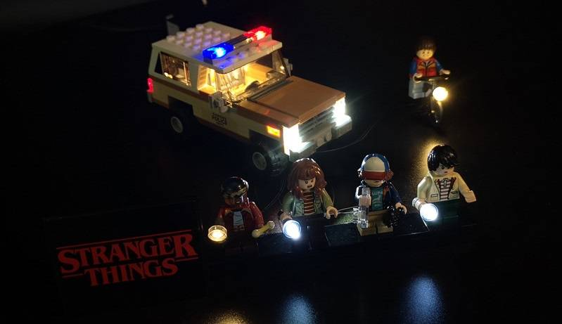 LEGO Stranger Things Minifigures