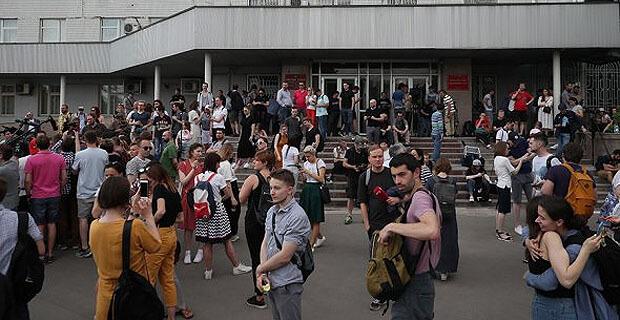 Главред «Медузы» пообещал назвать организаторов преследования Голунова - Новости радио OnAir.ru