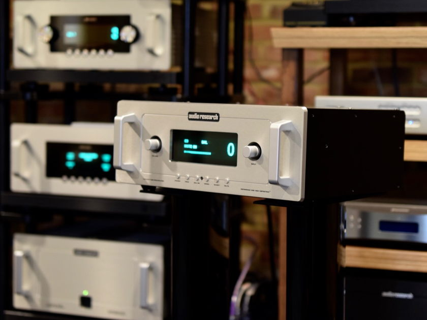 Audio Research 5se  Preamp    Black finish