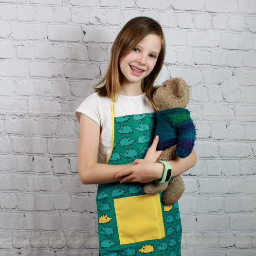 """Набор кухонных фартуком для ребенка и взрослого """"Зеленые ежики"""""""