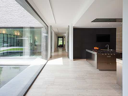 Puerto de la Cruz - 5 design principles for a modern minimalist living room