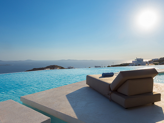 "Cadaqués (Girona) - The exclusive ""Villa Majestic"" is on sale for 9.5 million euros. The 4,000 square metre property boasts an infinity pool and a Jacuzzi. (Image source: Engel & Völkers Market Center Athens)"