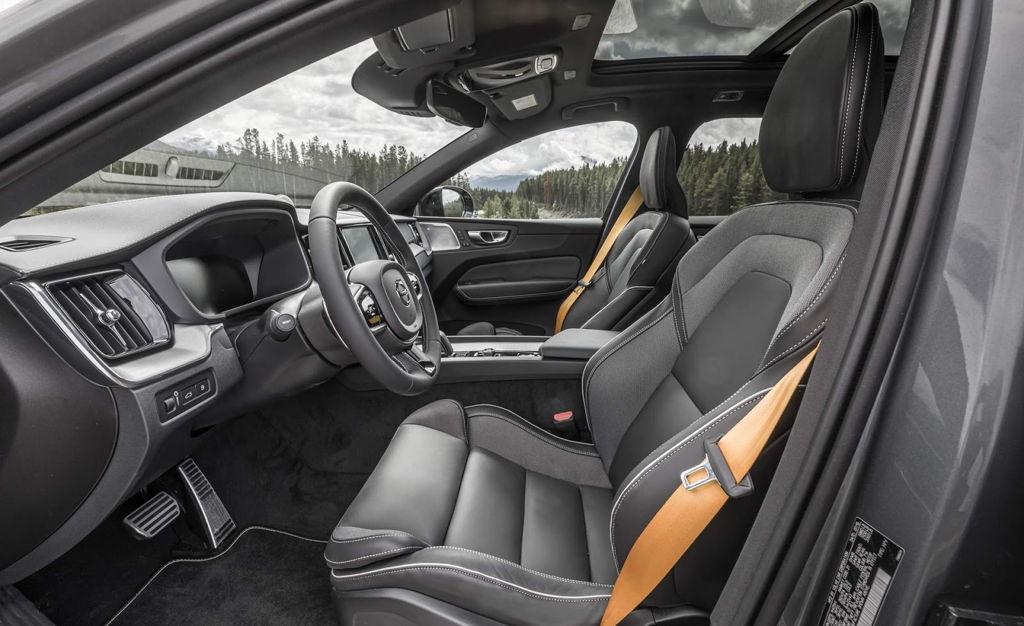 interior xc60