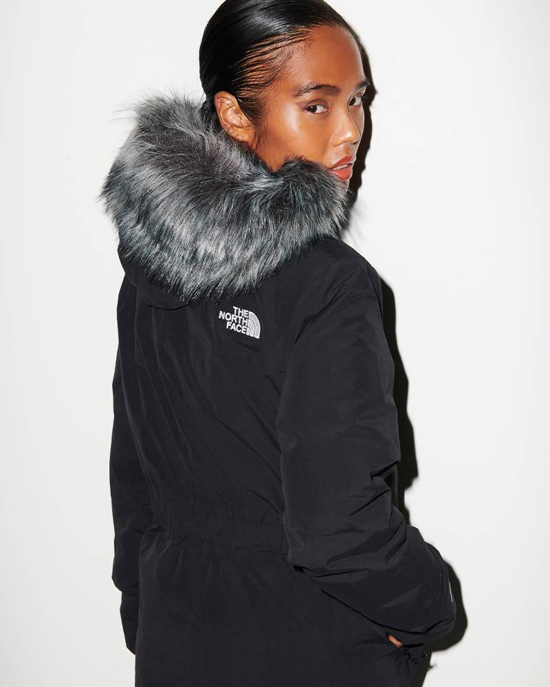 Shop Women's Nike Ft. Icon Clash